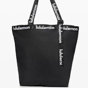 Lululemon The Rest is Written Tote 24.5L bag